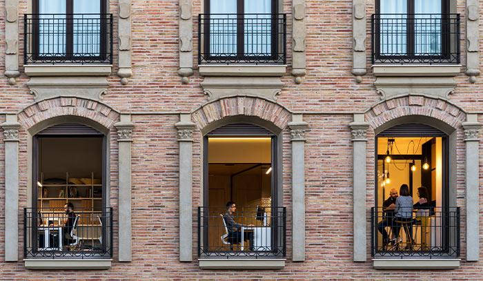 soluciones para mejorar la acustica interior de un edificio