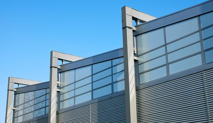 como se usa el aluminio en la arquitectura